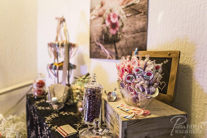 Candybar_Dekoration_fuer_Hochzeit