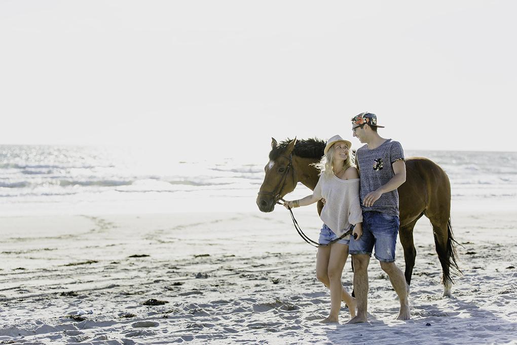 Verlobungsshooting - Lovebirdsshooting -Engagementshooting am liebsten am Strand mit meinem Liebespaar Location: Burgh Haamstede/Holland Foto: Fotografin Petra Fiedler | www.heiratenexklusiv.de (Wuppertal/NRW)