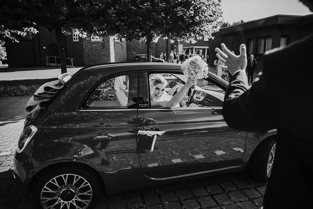 28_trauung_duesseldorf_fiat500_cabrio