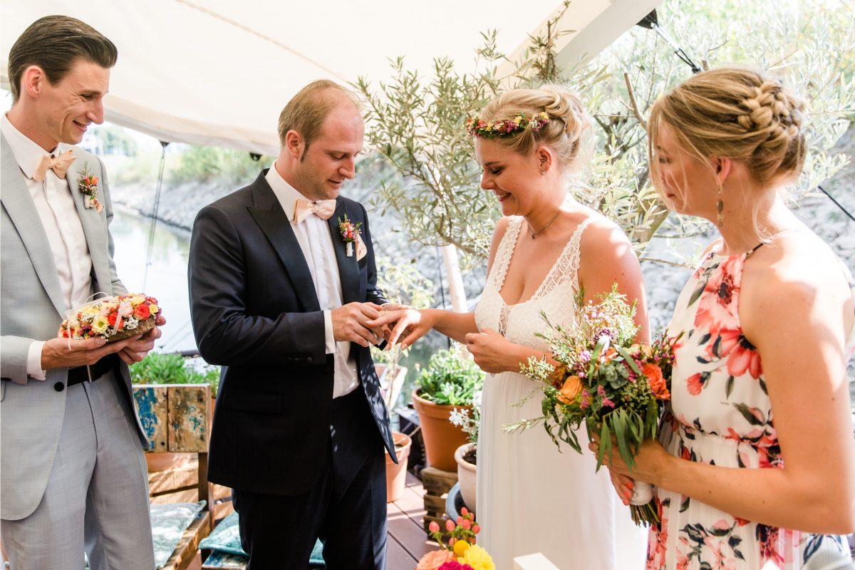 Freie Trauung Am Hausboot Düsseldorf | Petra Fiedler   Heiraten Exklusiv  Hochzeitsfotografie
